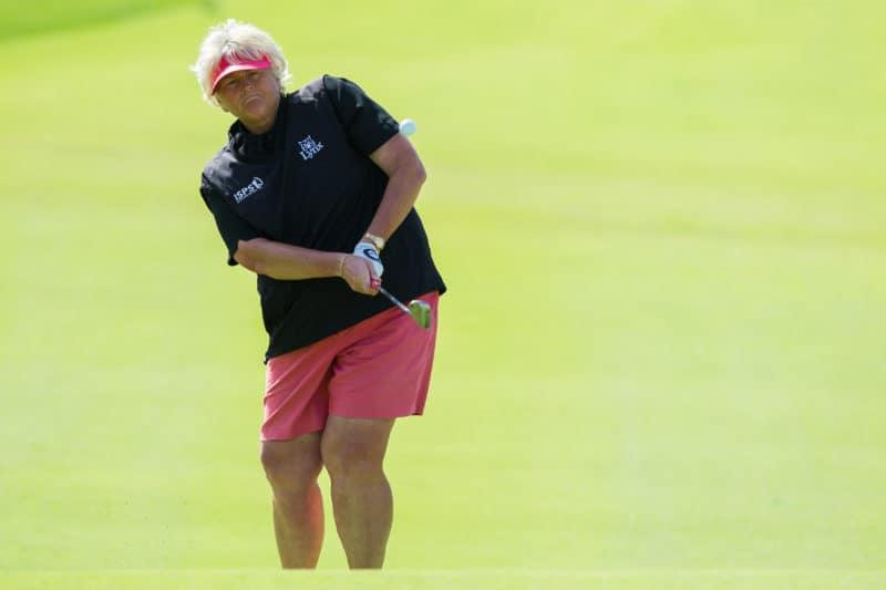 11/12/2015. Ladies European Tour 2015. Omega Dubai Ladies Masters, Majilis Course, Emirates Golf Club, Dubai, UAE. December 9-12. Laura Davies of England chips onto the first green during the third round. Credit: Tristan Jones